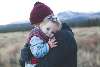 Keď telo trpí – naučte sa poskytovať si emocionálnu prvú pomoc